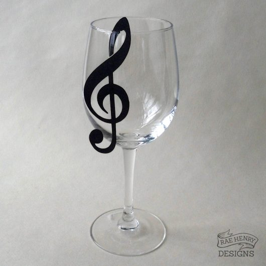 treble clef wine glass place card