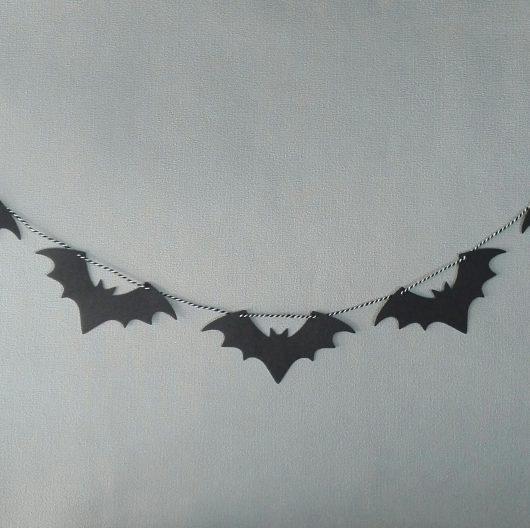 bats bunting
